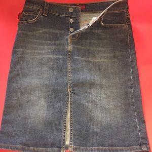Dresses & Skirts - Y2K denim skirt